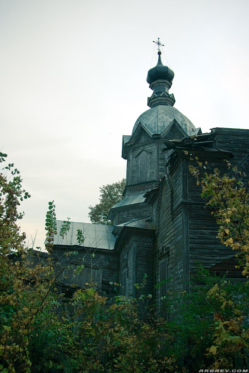 Крапивна, церковь Михаила Архангела