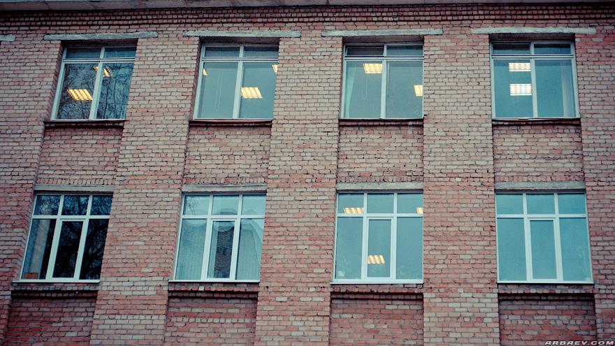 В окнах