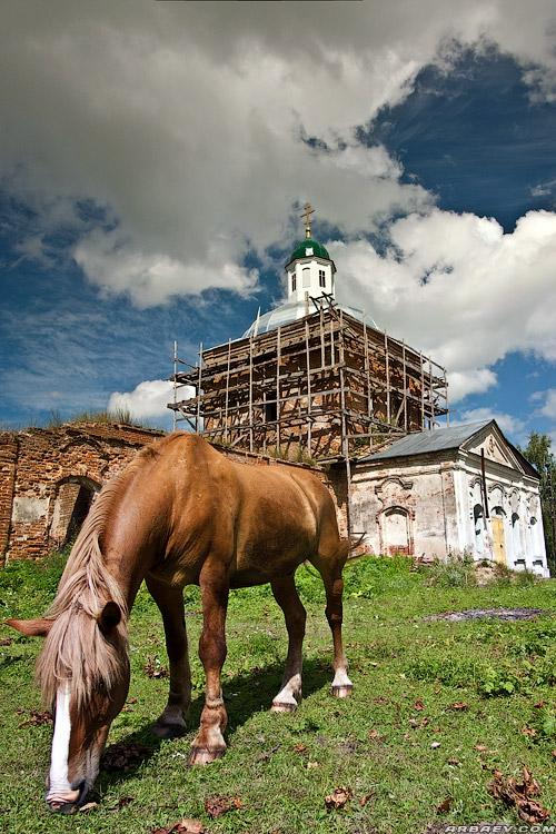 f Церковь Троицы Живоначальной в селе Селец